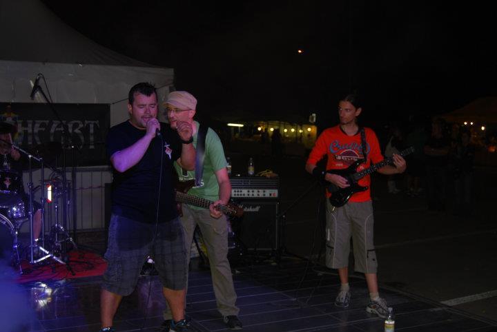 20110917-032