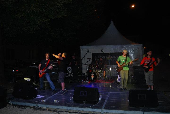 20110917-041
